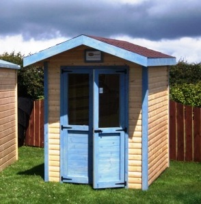 Wooden sheds ni diy iswandy for Garden hut sale