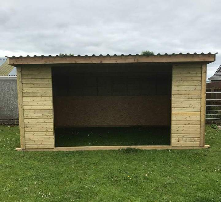 Field Shelters Product : Gallery whitethorn timber stables
